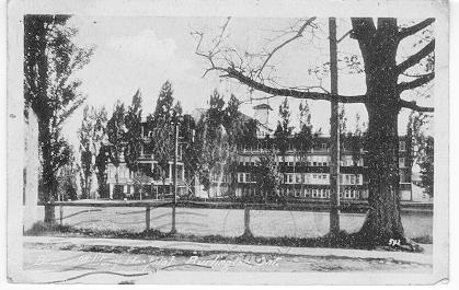 Brant Military Hospital, Burlington, Ont -- Exterior, viewed from side; postmarked July 28 (?), 1920