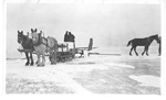 Ice Harvest, Hamilton Bay: Loading Sleigh
