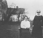 White/Whyte Family -- Mrs. Edwin White/Whyte, and Mrs. J. Fleming at Hendrie Home