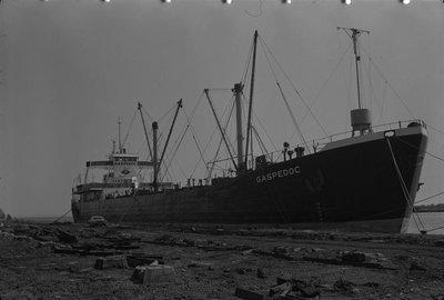 LST-0885 (1944)