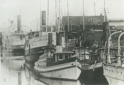 CLARK, MINNIE A. (1903, Tug (Towboat))