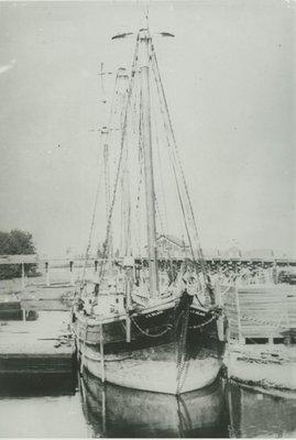 WILBUR, KATHERINE T. (1895, Tug (Towboat))