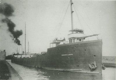 SHAW, HOWARD L. (1900, Bulk Freighter)