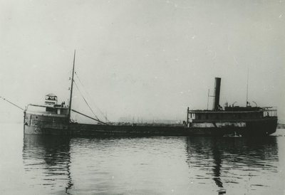 AZTEC (1889, Steambarge)