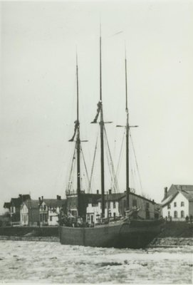 QUEEN  OF  THE  LAKES (1858, Brigantine)