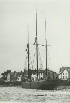 QUEEN  OF  THE  LAKES (1858, Brigantine)