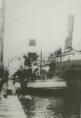 SUPERIOR (1881, Tug (Towboat))