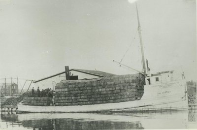 TWO MYRTLES (1899, Steambarge)