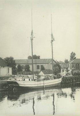 BEHM, LENA (1886, Schooner)