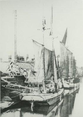 PACKARD, MARY E. (1875, Scow Schooner)