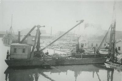 NO.13 (1890, Barge)
