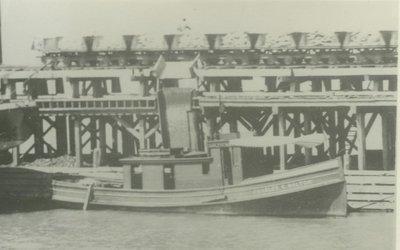 BOLTON,  CHARLES   E. (1882, Tug (Towboat))
