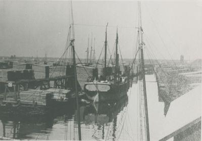 JENNETT (1881, Barge)