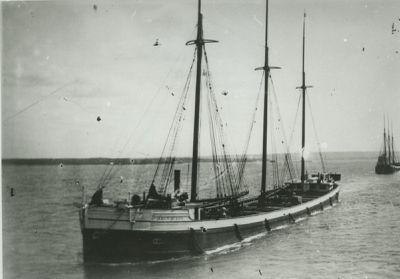 IRON QUEEN (1887, Schooner-barge)