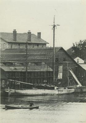 LILLIE D. (1902, Scow Sloop)