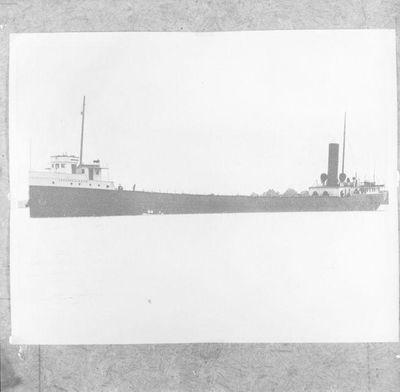 WHITE PENDENNIS (1905)