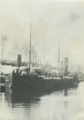 BUNSEN, ROBERT  W. E. (1900, Bulk Freighter)