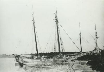 COLUMBIA (1844, Schooner)