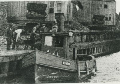 MINTA K. ( Tug (Towboat))