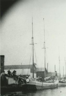 MISHICOTT (1882, Scow Schooner)