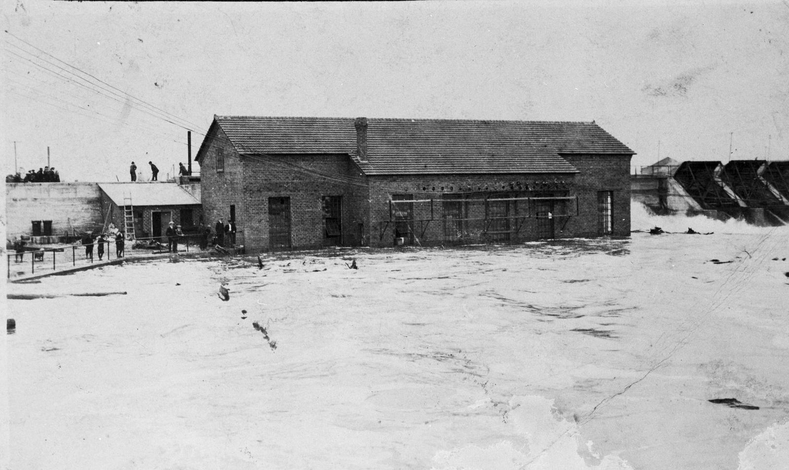 Ninth Street Dam Powerhouse