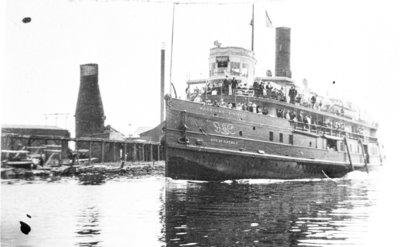 CITY OF ALPENA entering Thunder Bay River