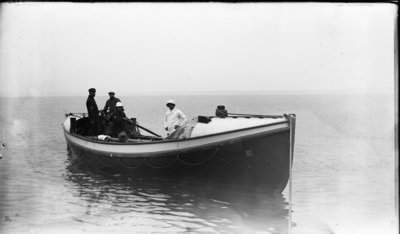 Middle Island:  Crew in Lifeboat