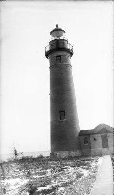 Middle Island:  Lighthouse