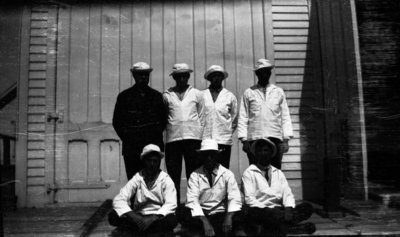 Middle Island: Crew