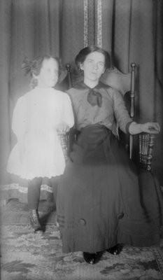 Esther and Lillian Hartlep
