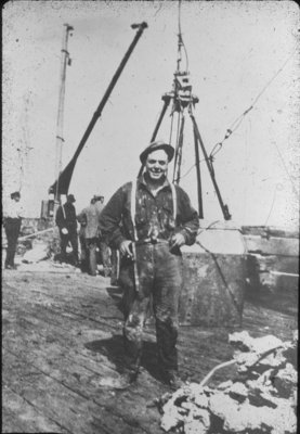 B.F. Leavitt during the Salvage of the PEWABIC
