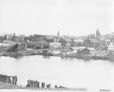 Thunder Bay River above the Second Avenue Bridge