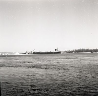 BLACK BAY (1962, Bulk Freighter)