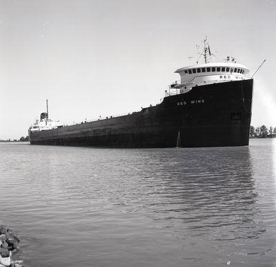 BOUNDBROOK (1943, Tank Vessel)