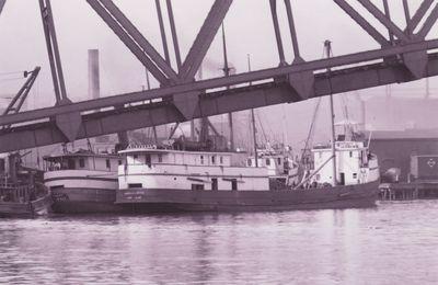 ISABELLA J. BOYCE (1889, Steambarge)