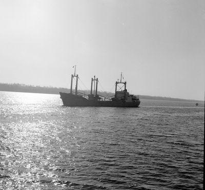 CORAL BAY (Ocean Freighter)