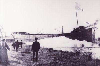 JOHN B. COWLE (1902, Bulk Freighter)