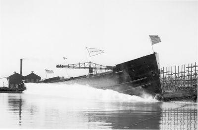 JAMES E. DAVIDSON (1905, Bulk Freighter)