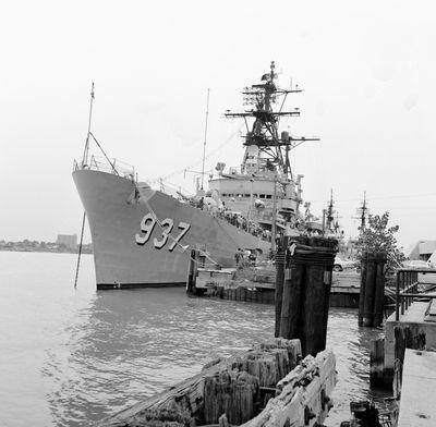 USS DAVIS (1955, Naval Vessel)