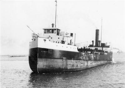 RALPH GILCHRIST (1929, Bulk Freighter)