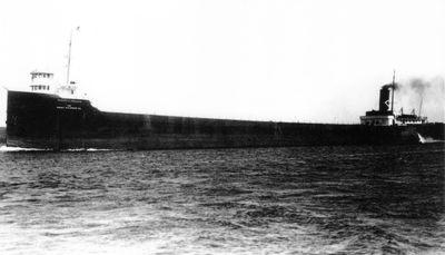 ROBERT L. IRELAND (1914, Bulk Freighter)