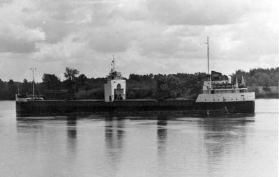 IRVINGWOOD (1952, Bulk Freighter)