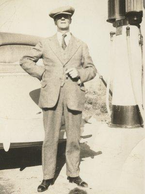 <b><font size = 4>Roscoe Zetland Morrow</b></font><BR>