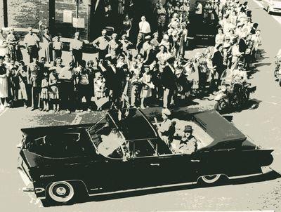 Queen Elizabeth motorcade 1959