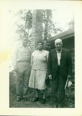 Photograph of Richard, Iris and Albert Sloman [n.d.]
