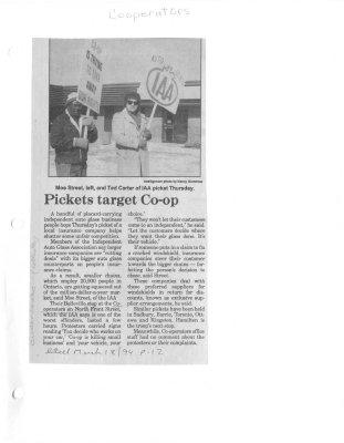 Pickets target Co-op : Cooperators