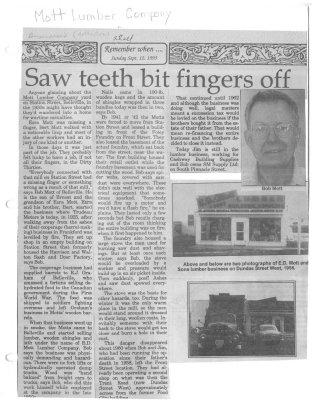 Saw teeth bit fingers off
