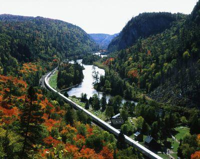 Ontario: Agawa Canyon - tour train at Canyon station at height of Fall colouring