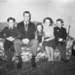 Sur[?]s Family Group