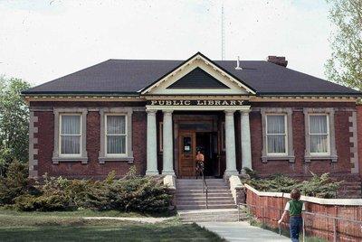 Lindsay Public Library, Kent Street West, Lindsay